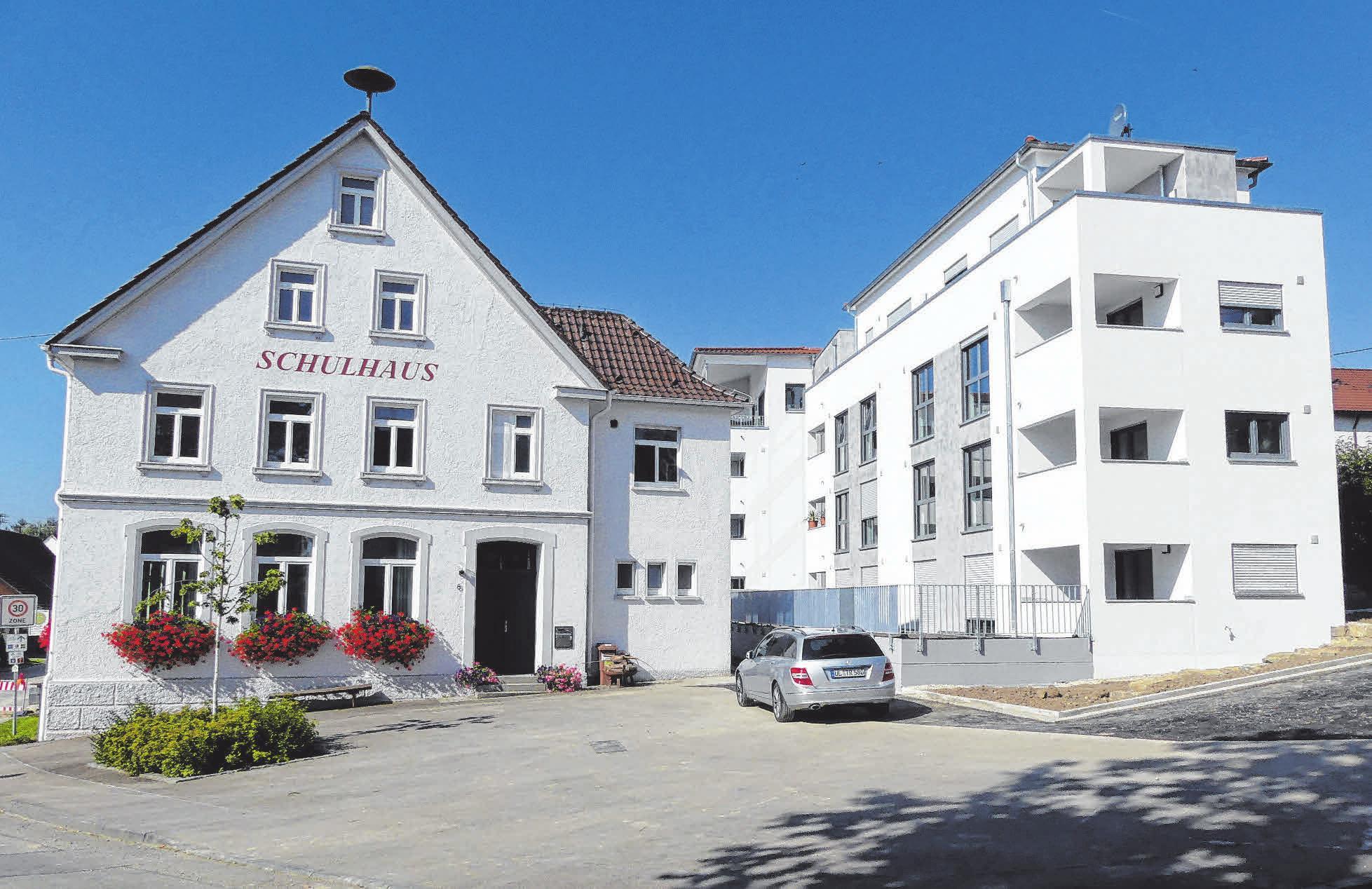 Neben dem einstigen Schulhaus, also mitten in Nasgenstadt, ist die Donau Residenz mit 23 Mietwohnungen entstanden.