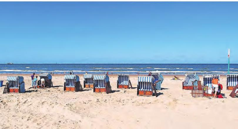 Ob warm oder kalt – wenn die Sonne scheint, sind Strandkörbe bei jeder Temperatur ideal.