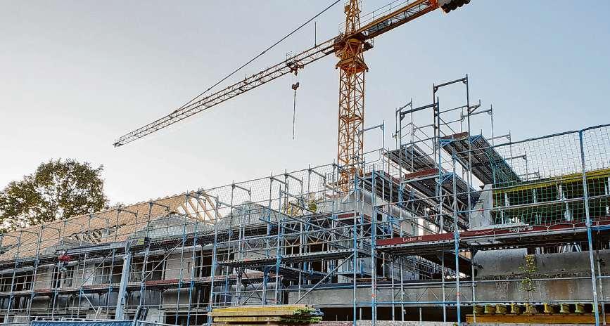 Am Schleswiger Damm 228 entsteht das Gebäude für ein neues generationenübergreifendes Wohnprojekt. Vergangene Woche war Richtfest.