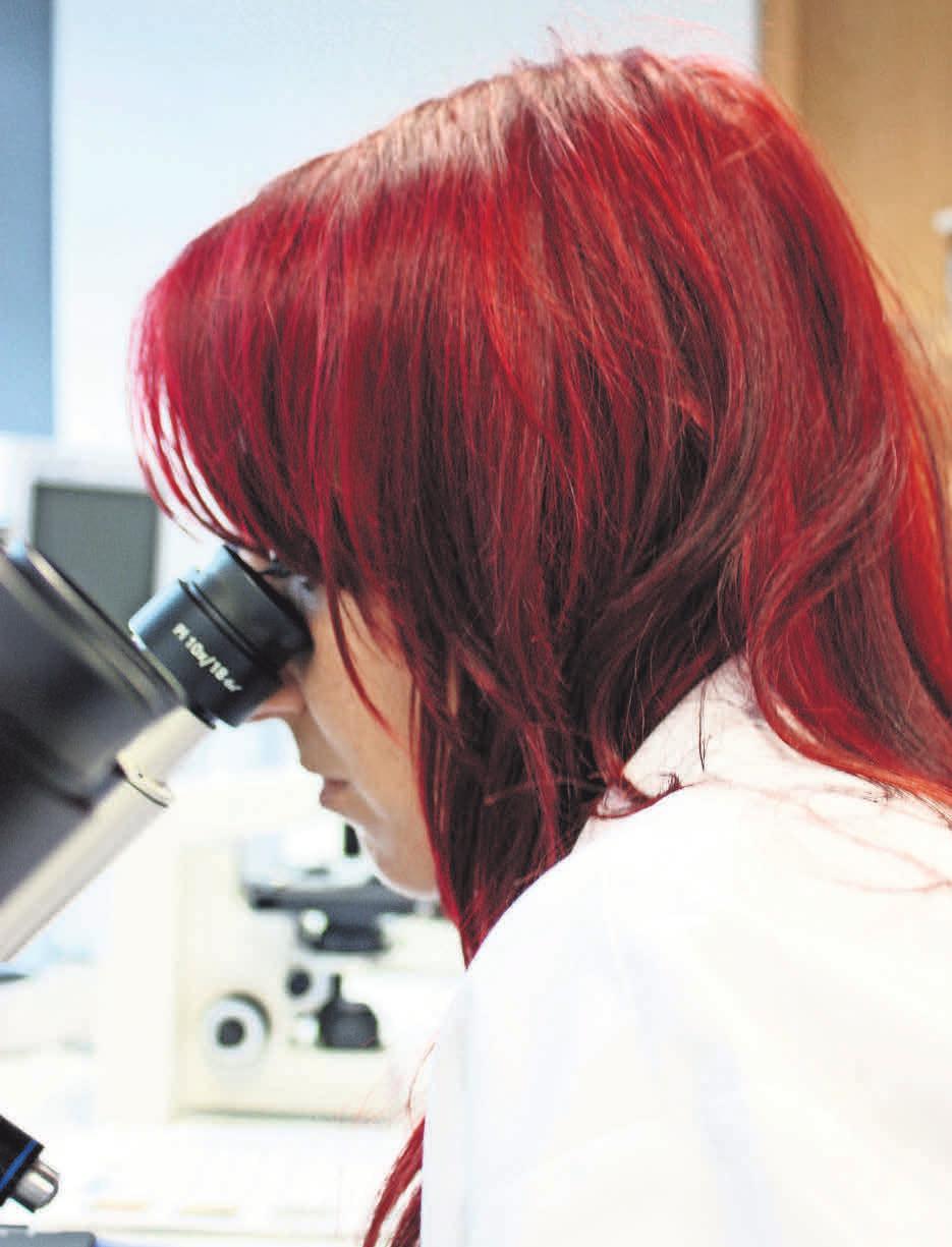Forschung, Pharmaindustrie und Medizintechnik haben durch die Pandemie eine weit größere Bedeutung erhalten. Foto: Martin Gapa/pixelio.de