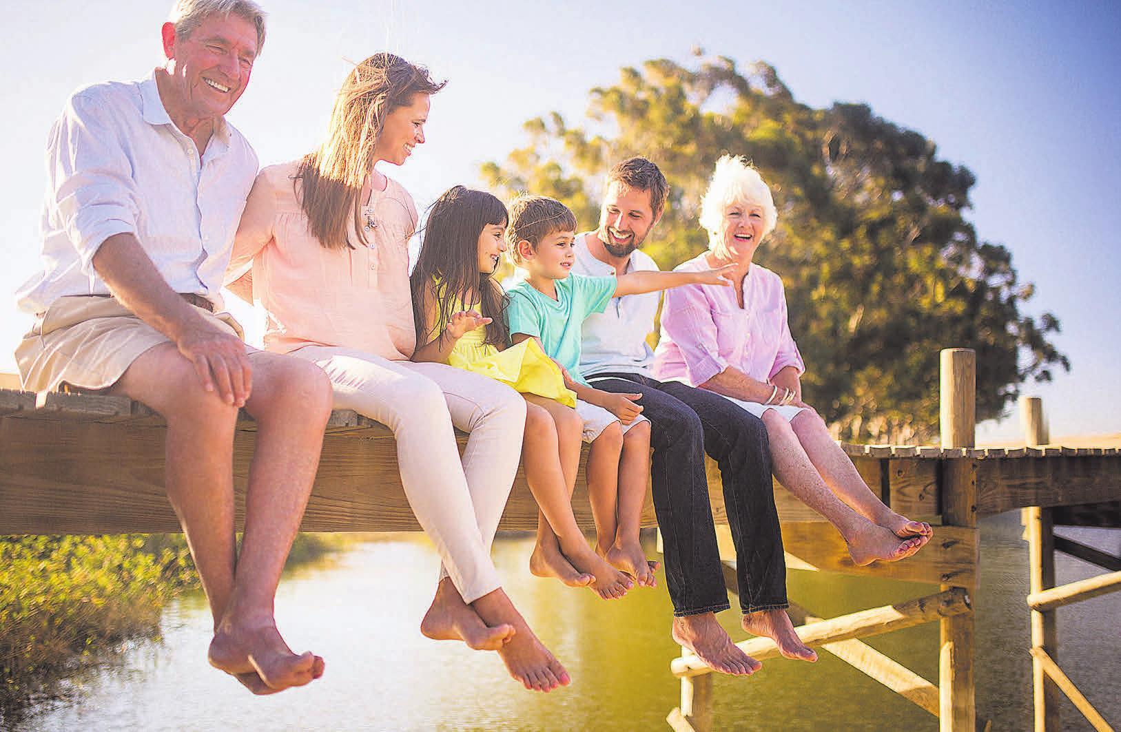 Damit Familien ihr Glück möglichst unbeschwert genießen können, ist vorausschauendes Handeln und Planen wichtig. Foto: wundervisuals/iStockphoto.com/DELA Lebensversicherung/akz-o