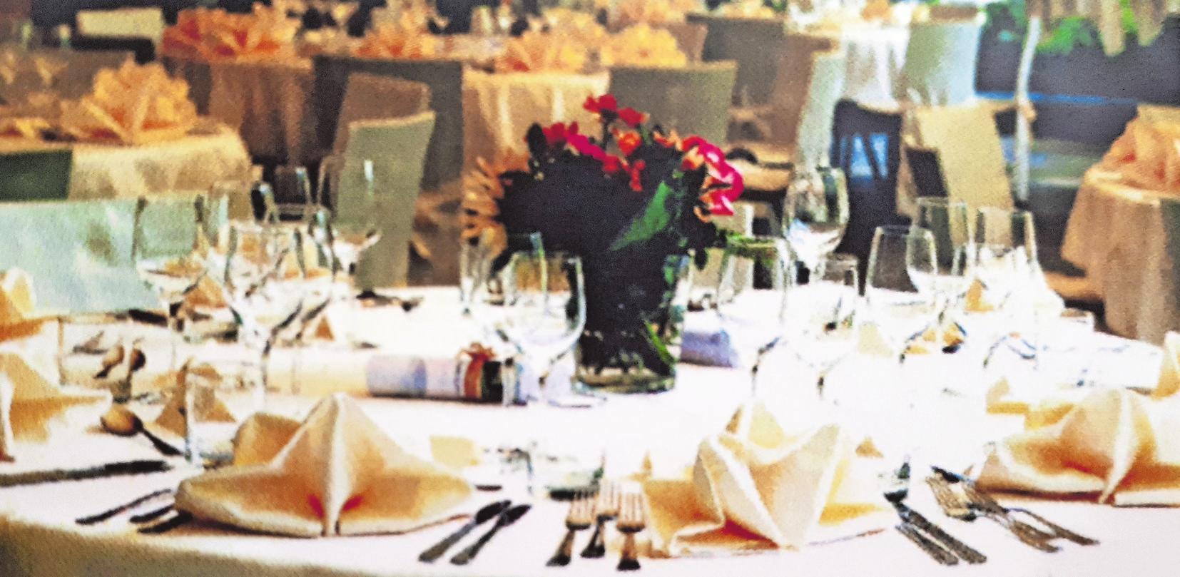 An den Gala-Tischen wird es auch Gelegenheit für Gespräche geben. Foto: z