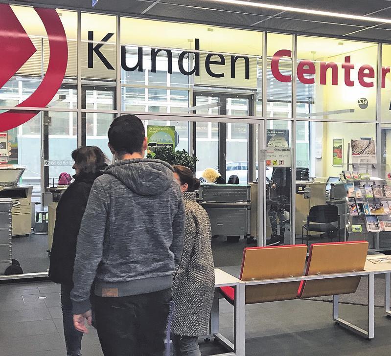 Fahrgäste erhalten in den KundenCentern alle Infos rund um Tickets und Preise