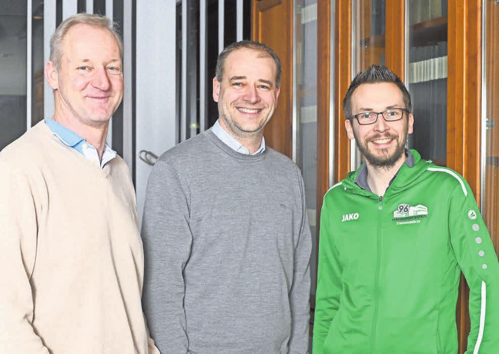 Engagiert: Aufsichtsrat Carsten Linke (von links), 96-Präsident Sebastian Kramer und Vorstand Robin Krakau. Nancy Heusel