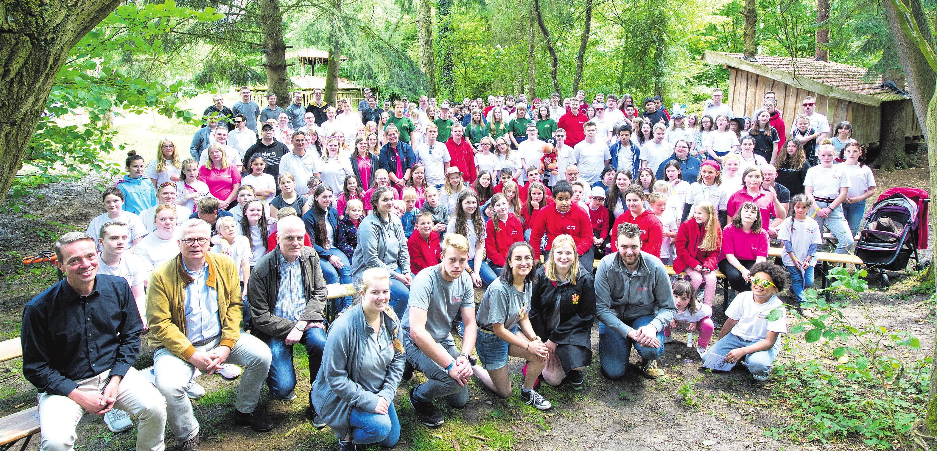 Unter den rund 240 Teilnehmern herrschte viel Freude beim diesjährigen Landeszeltlager der Johanniter-Jugend, das im Juni bei Großenkneten veranstaltet wurde. Foto: Anette Thanheiser/Johanniter