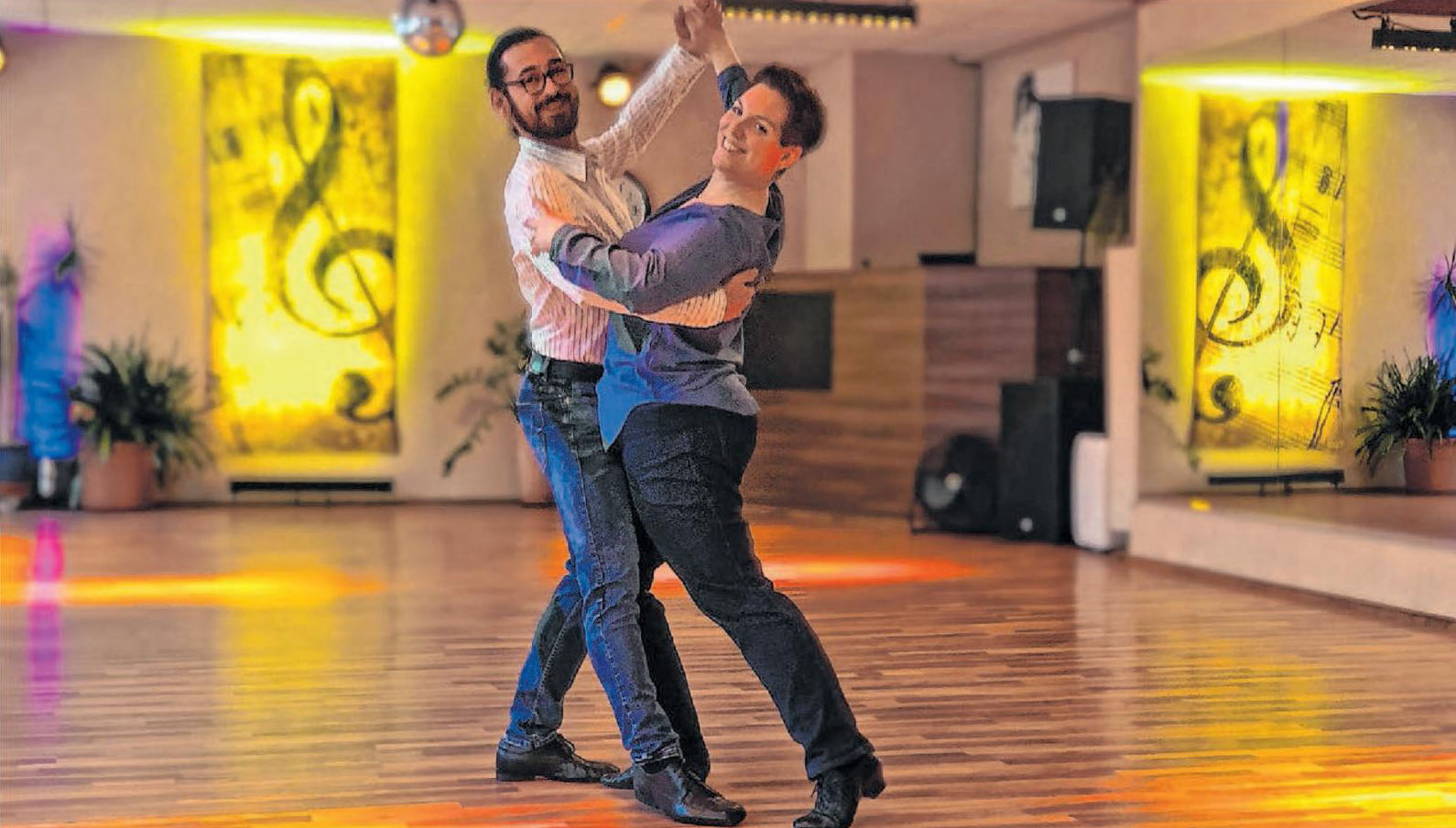 Von HipHop bis Cha-Cha-Cha, von Walzer bis West Coast Swing: Die Tanzschule Timotion ist Treffpunkt für Tanzbegeisterte und Tanzschüler. Foto: PR