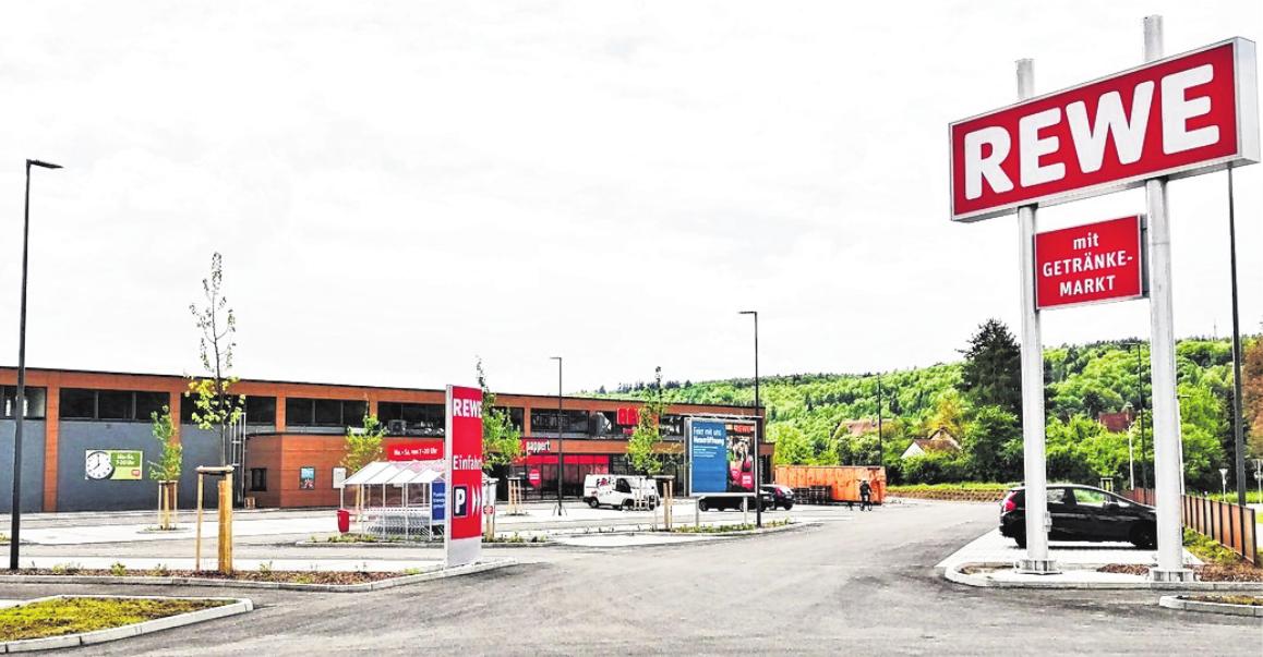 Die Einfahrt zu dem Rewe-Markt in Bad Bocklet mit 100 Pkw-Stellplätzen. FOTOS: SIGISMUND VON DOBSC