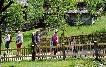 Das Freilichtmuseum am Kiekeberg bietet in den Sommerferien viel Programm für die ganze Familie Foto: FLMK