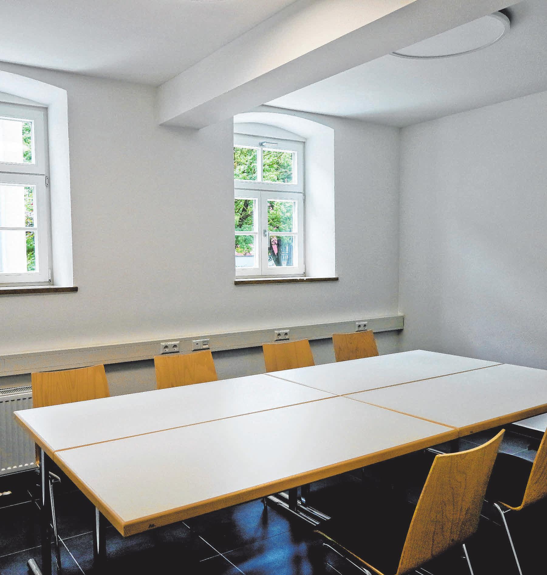 Gemeindehaus Dalkingen - Pfarrbüro/Besprechungszimmer.