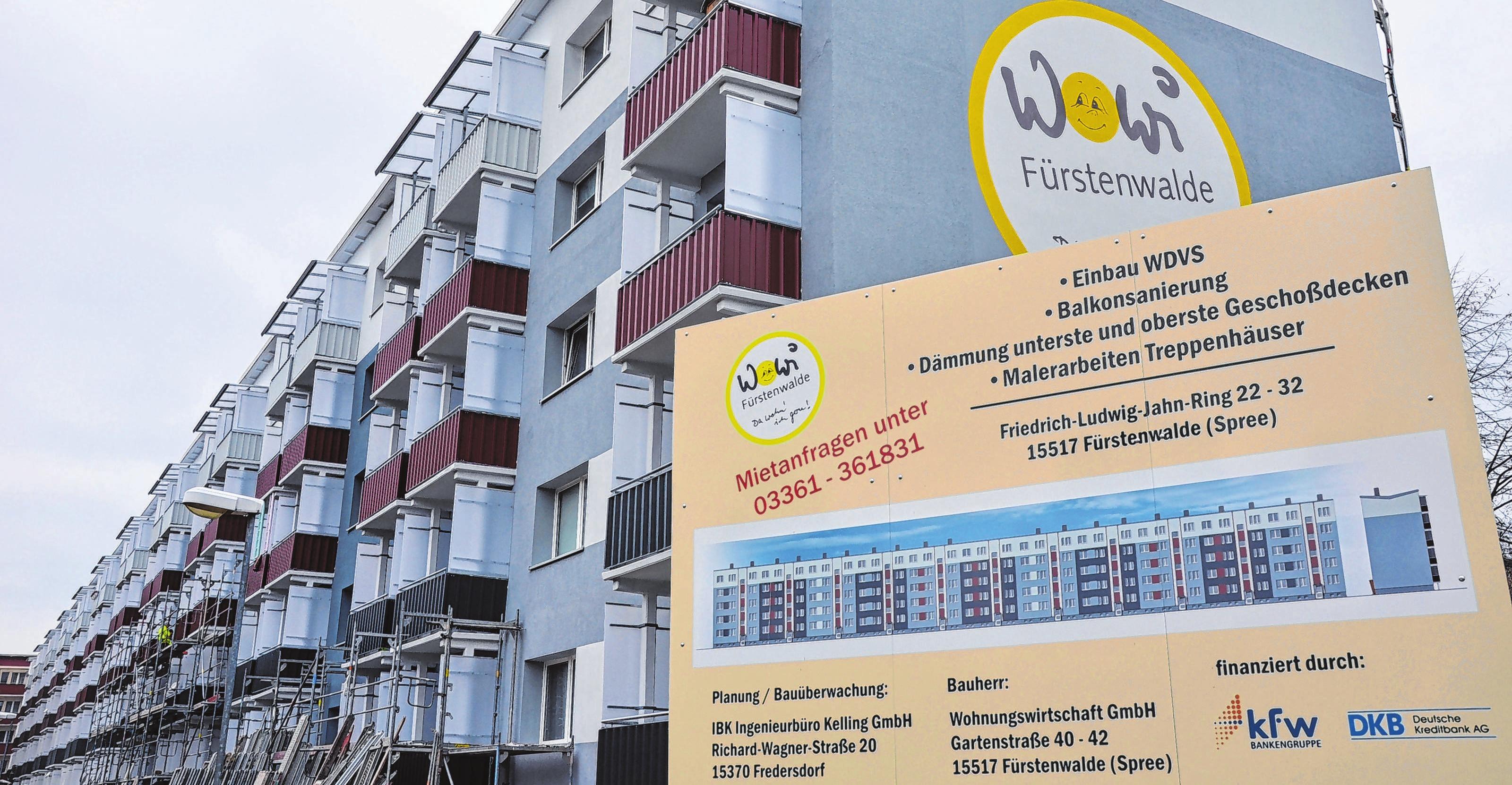 Für die Teilsanierung des Wohnblocks im Friedrich-Ludwig-Jahn-Ring 22-32 werden rund 2,4 Millionen Euro aufgewendet. Fotos (2): Vanessa Engel