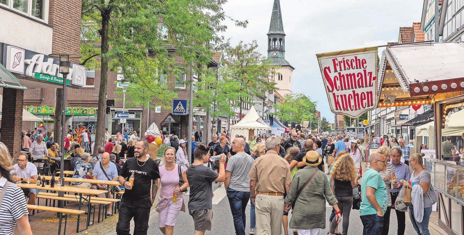 Die Stadt, die Geschäftsleute aus Burgdorf und Gewerbetreibende freuen sich auf die Besucher und Besucherinnen.