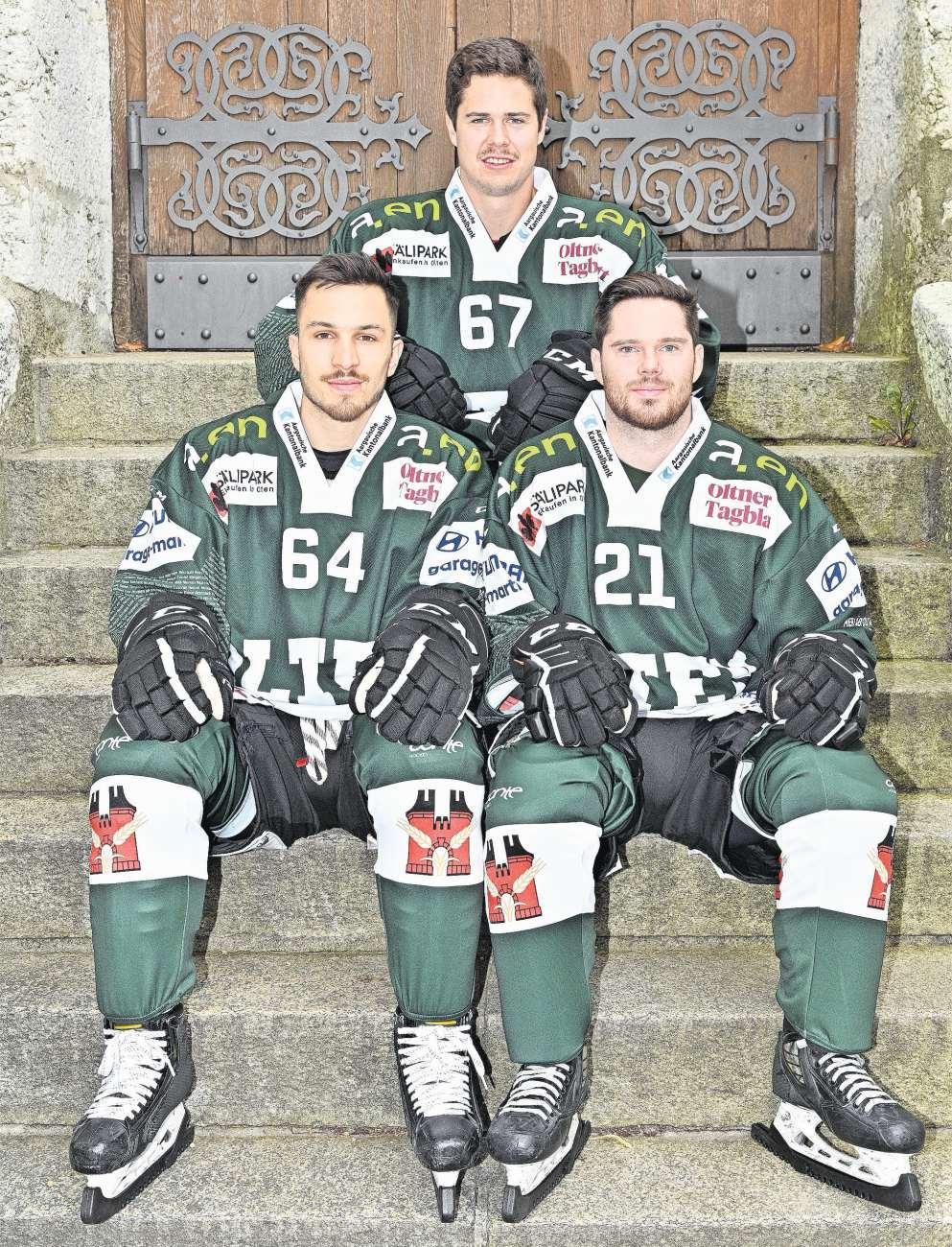 Joel Scheidegger (Rückennummer 64), Jan Mosimann (21) und Florian Schmuckli (67). Bild: Bruno Kissling