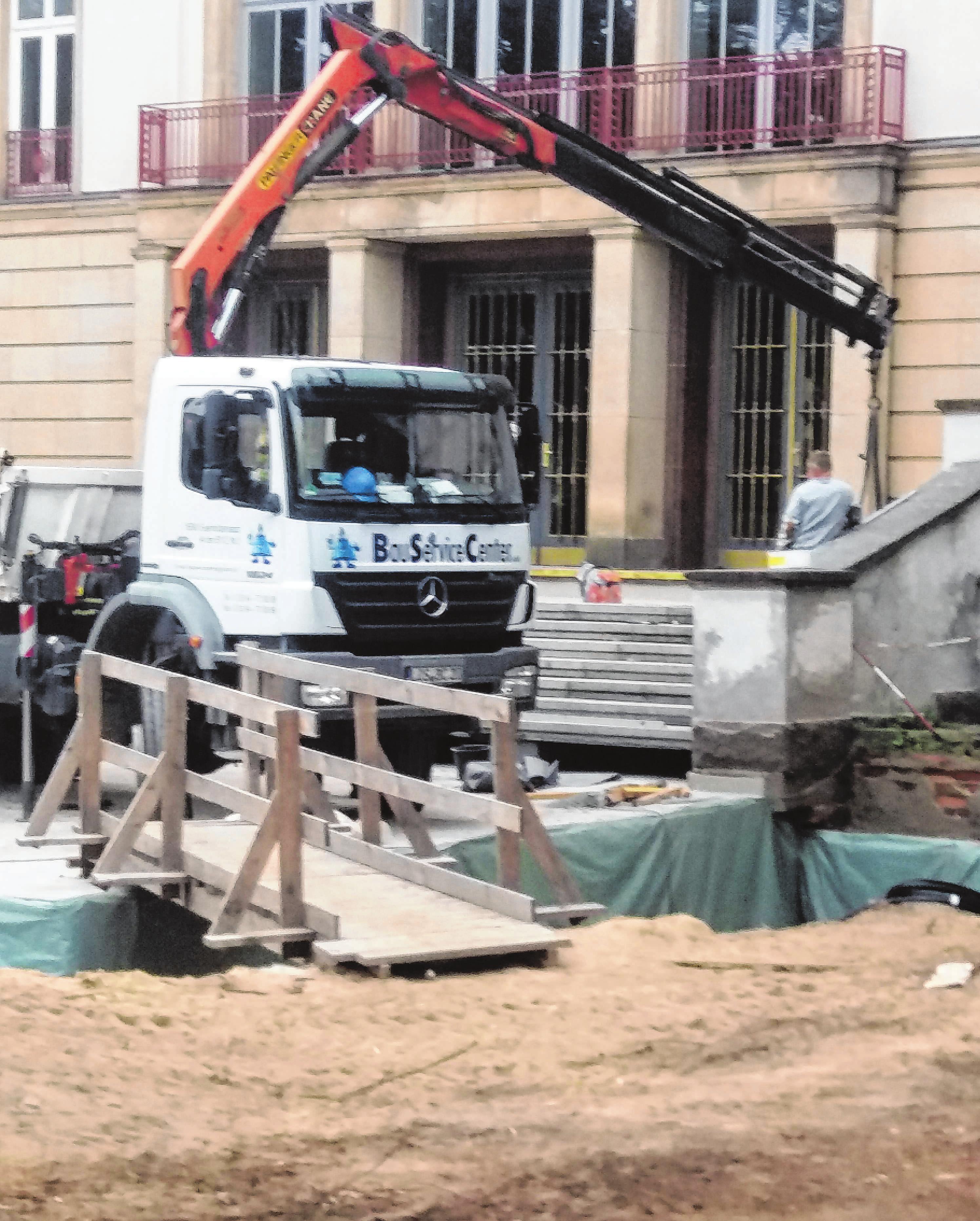 Dank BSC has das Krankenhaus in Eisenhüttenstadt die neuen Eingangstreppe.