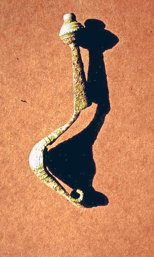 Auf rund 2500 Jahre wird die gut erhaltene Bronzefibel geschätzt, die 1979 bei Ausgrabungen zwischen Hollfeld und Plankenfels entdeckt wurde.