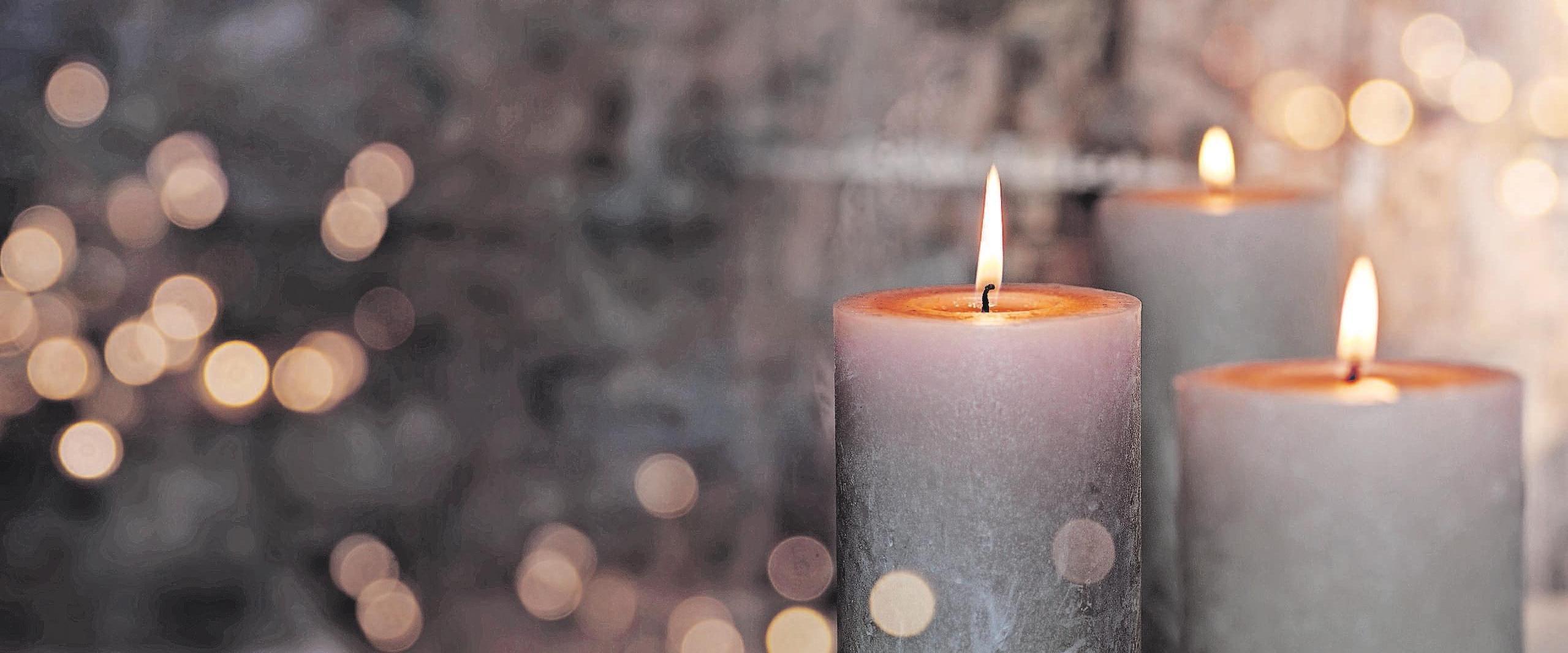 Erinnerungen sind kleine Sterne, die tröstend in das Dunkel unserer Trauer leuchten. Foto: as/gudrun