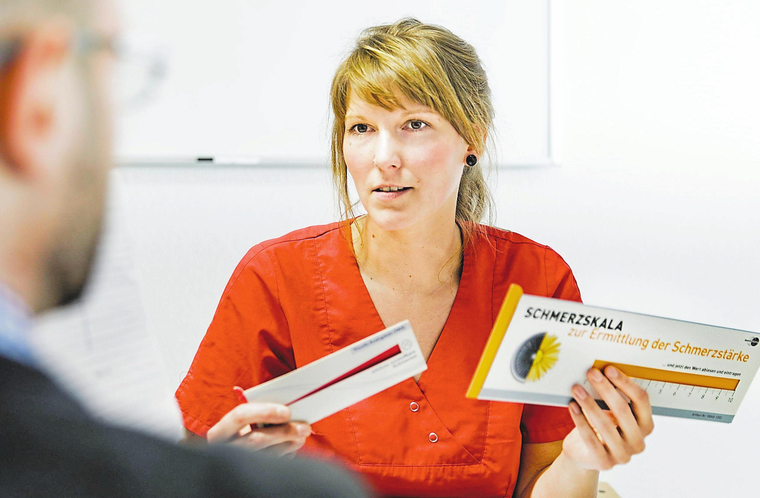 Marei Haarmann ist examinierte Altenpflegerin und arbeitet als Pain Nurse im Altenheim Friedrichsburg in Münster.