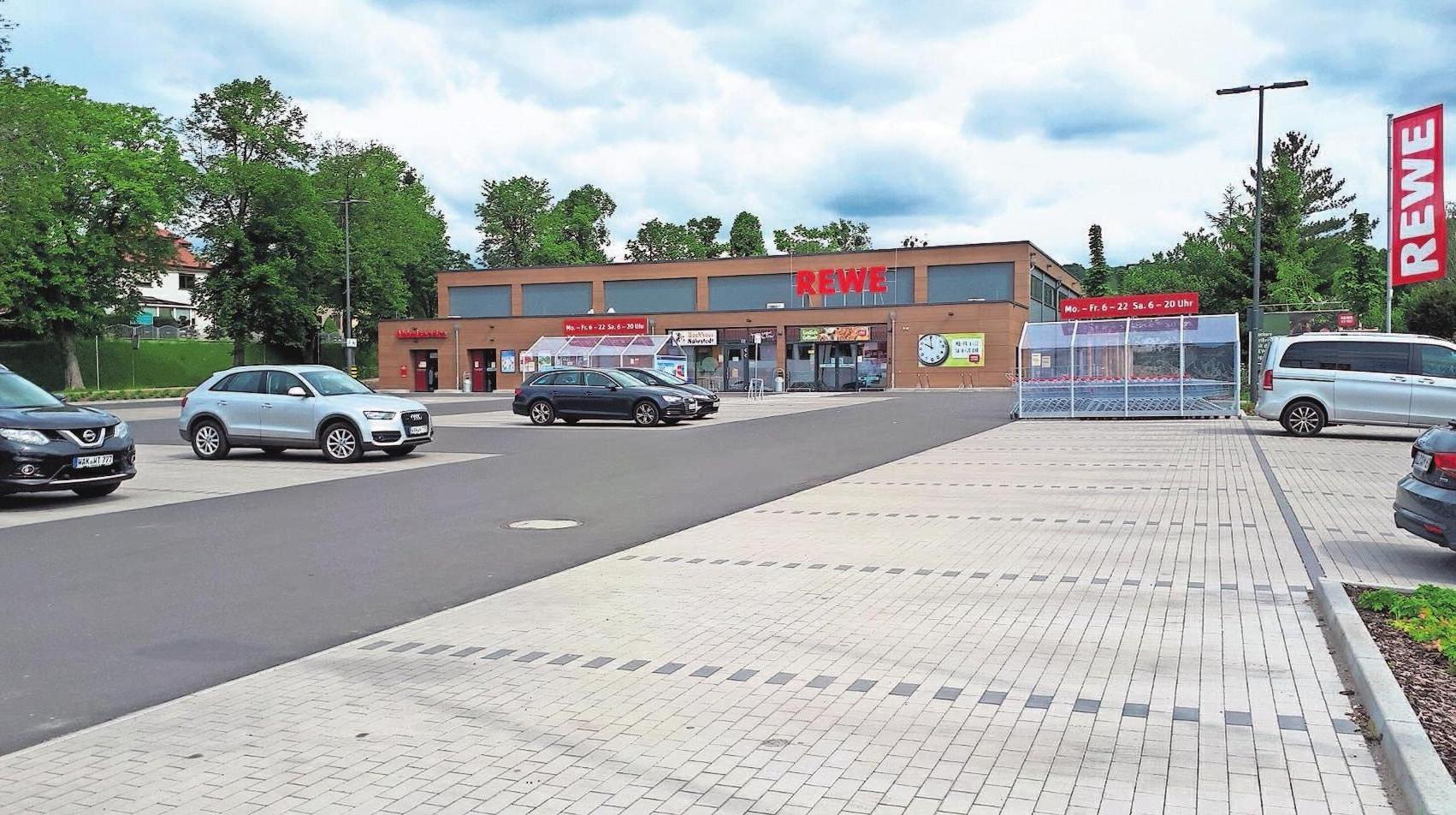 Bereits im Herbst 2019 konnte der Teil des Carrees, in dem sich der Lebensmittelmarkt befindet, übergeben werden.