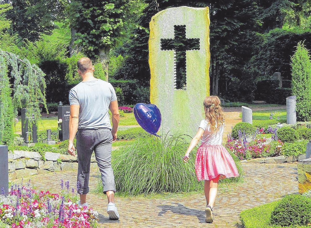 Ein Besuch auf dem Friedhof bedeutet nicht nur Trauner