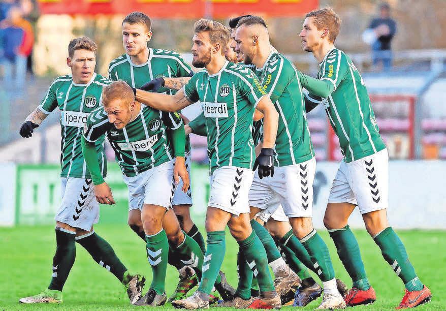 Freude über das 1:0 von Fabio Parduhn gegen Altona 93.