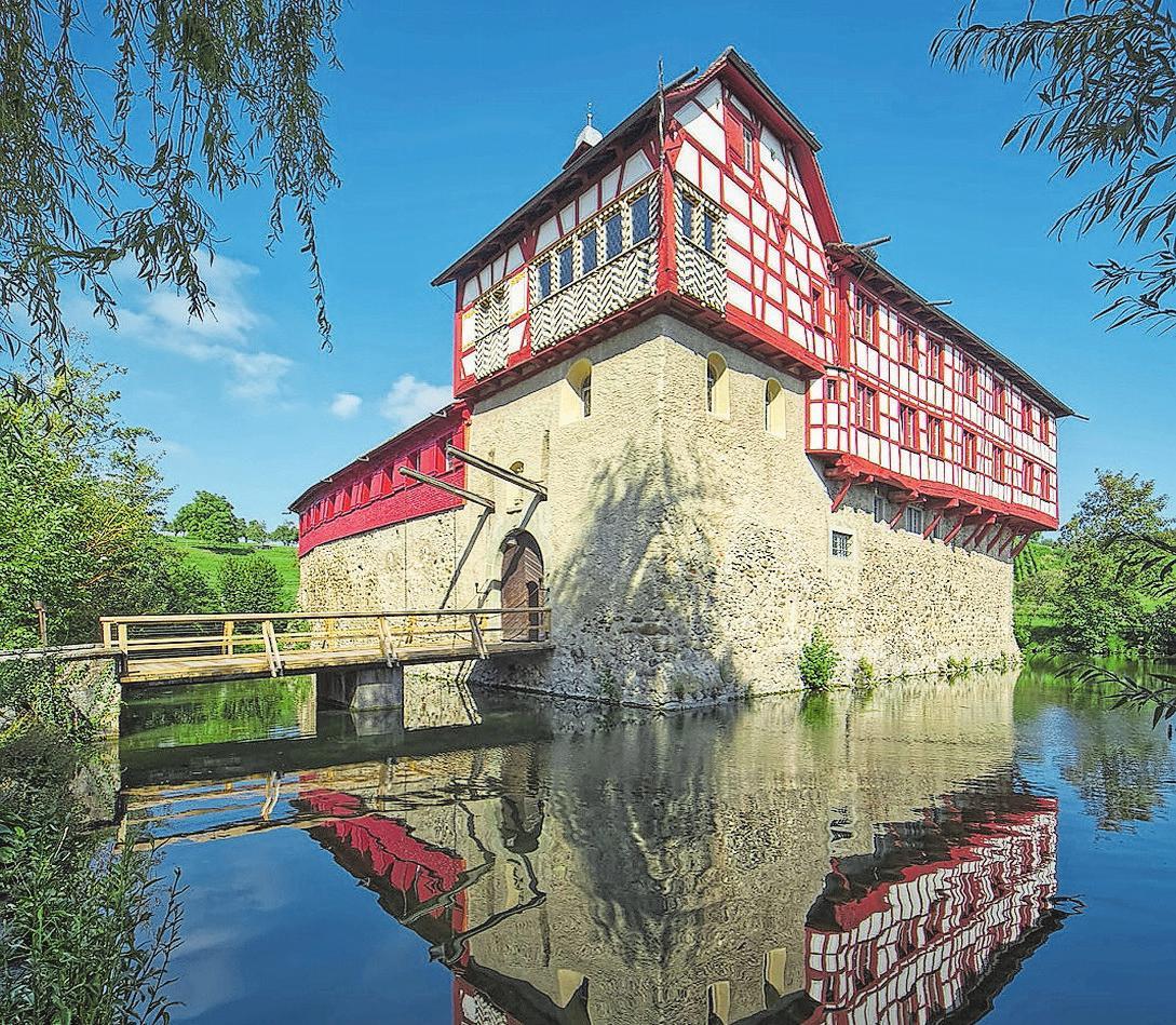 Das über 700 Jahre alte Schloss wird vielseitig genutzt. Bilder: Fleischer, Weinfelden