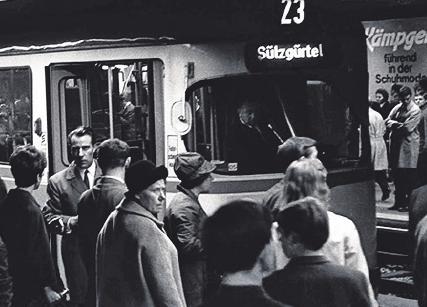 Vor 50 Jahren wurde in Köln die erste U-Bahn-Linie in Betrieb genommen – Von 151 Kilometern Gleis liegen 36 unter der Erde Image 1