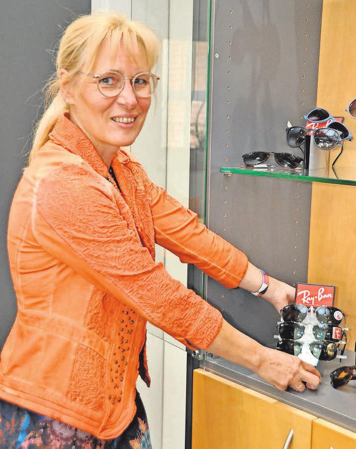 Silvia Krone ist Expertin in Sachen Varilux-Gleitsichtbrillenglas für stufenloses Sehen in allen Entfernungen