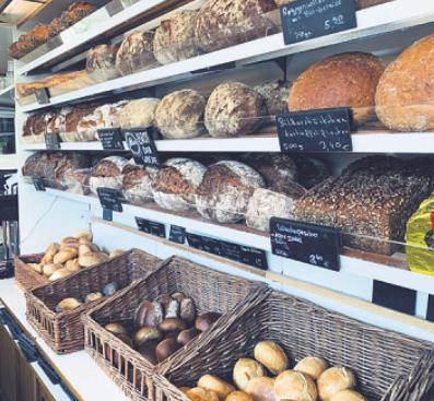 Bei Wiens erhalten Kunden alles von Brot über Plätzchen und Kuchen bis hin zu Konfitüren Image 2