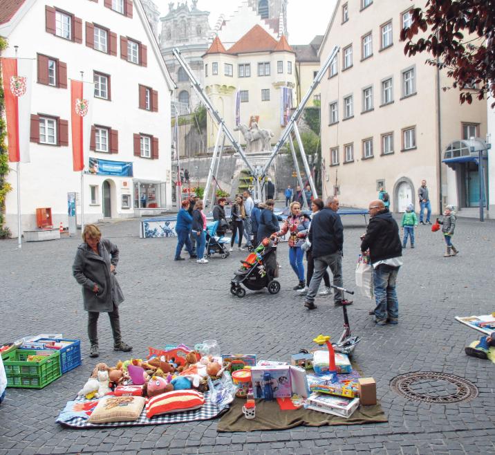 Auf dem Münsterplatz findet zu den Marktzeiten wieder ein Kinderflohmarkt statt. FOTOS: ROSA LANER