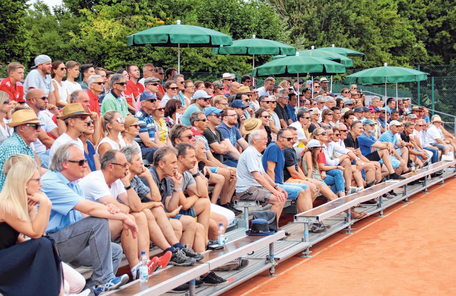 Die Zuschauertribünen waren während der Turnierwoche sehr gut gefüllt.