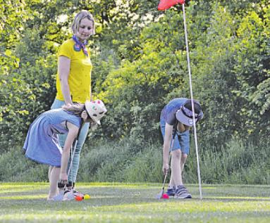 Auch für Anfänger: Eine Partie SwinGolf macht Spaß bei Jung & Alt