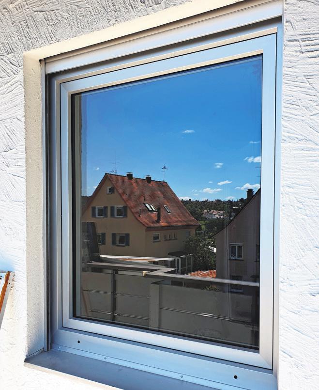 Fenster mit getönten Scheiben halten unerwünschte Blicke fern.