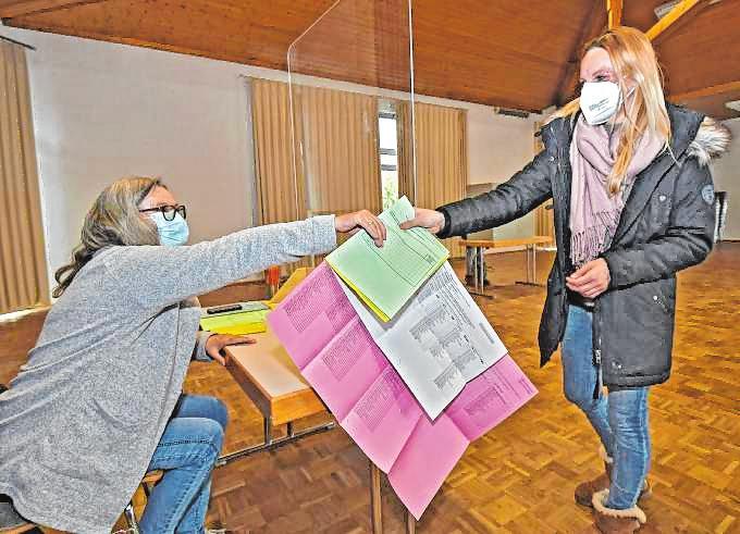 In den Wahllokalen galten strenge Hygiene-Regeln.