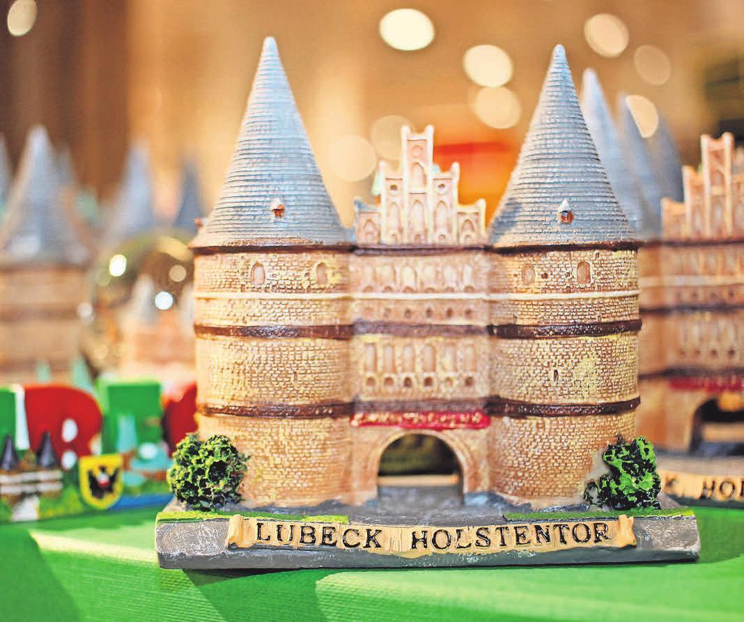 Lübeck-Souvenirs sind nicht nur bei Touristen beliebt sondern finden auch viele einheimische Lübeck-Fans.