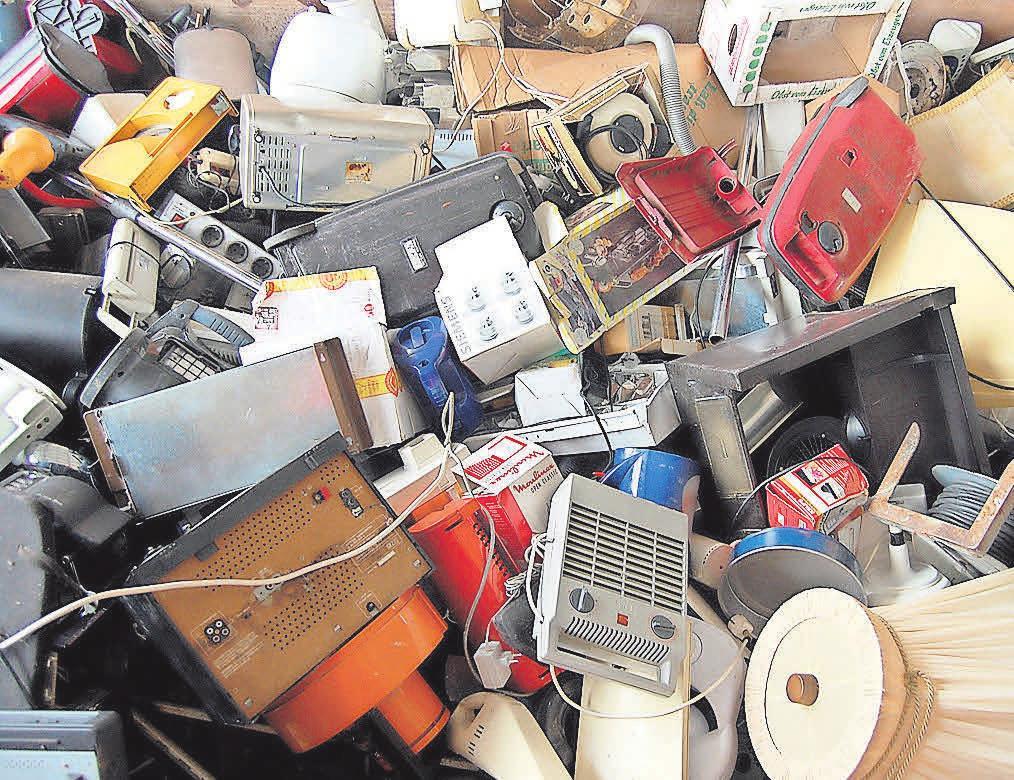 Über die Jahre kann sich eine Menge Elektroschrott ansammeln. Die richtige Entsorgung der Geräte sollte dann im Vordergrund stehen. Foto: pixabay
