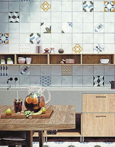 Holz und Feuchträume, passt das zusammen? Hochwertige Qualitäten halten auch den besonderen Anforderungen im Bad mühelos stand. FOTO: DJD/VOGLAUERMÖBELWERK