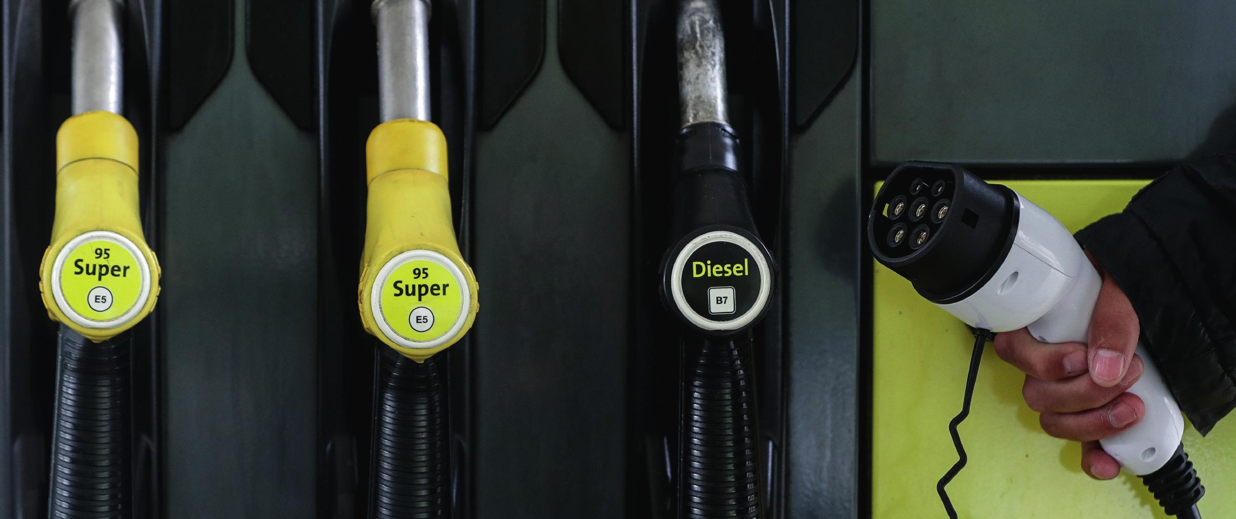 Alternative Antriebe abseits von klassischen Benzin- und Dieselmotoren führen längst kein Schattendasein mehr, der Autofahrer hat mittlerweile eine große Auswahl – allerdings hat jeder Antrieb Vor- und Nachteile. Fotos: Volker Weihbold, Toyota