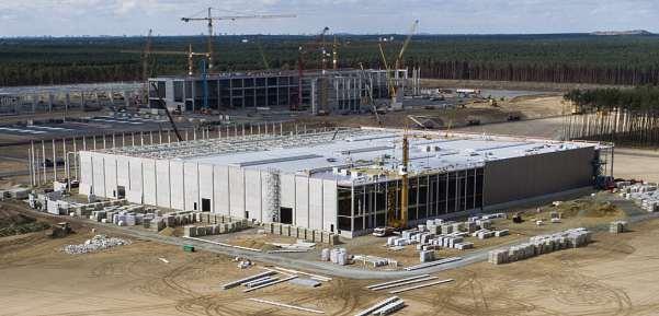 Rund 12.000 Mitarbeiter ziehen ab diesem Sommer am neuen Tesla-Standort in Grünheide ein. Dann werden in Brandenburg Elektroautos gebaut. FOTO: GETTY IMAGES