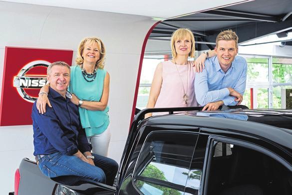 Zwei Generationen sind in der Geschäftsführung des NISSAN und Suzuki Autohauses tätig: Bernd, Marlies, Carina und Roberto Wegener