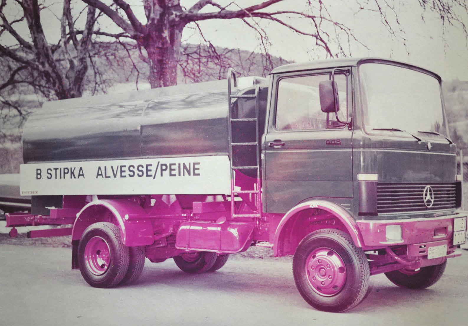 Ein Transport-Lkw der Firma Stipka aus der guten alten Zeit.