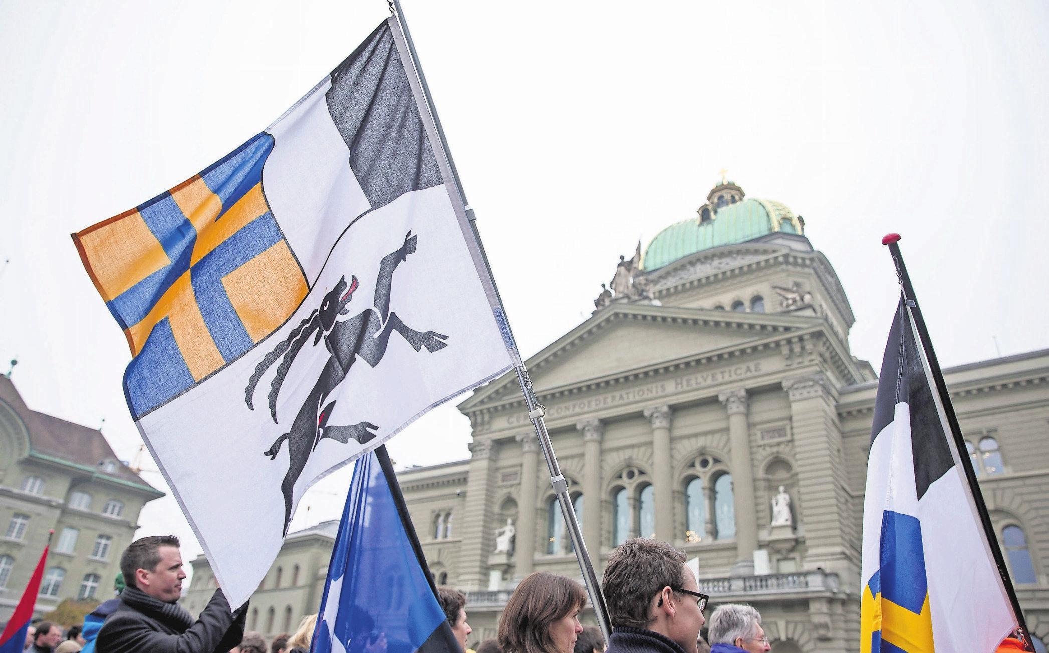 Der grosse Ansturm: 100 Kandidatinnen und Kandidaten wollen für Graubünden in den Nationalrat, nur fünf dürfen. Bild: Keystone
