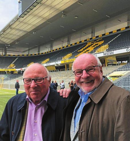 Uwe Seeler und Eddy Münch kürzlich in Bern – dort gewann Deutschland 1954 den WM-Titel.FOTO: PRIVAT