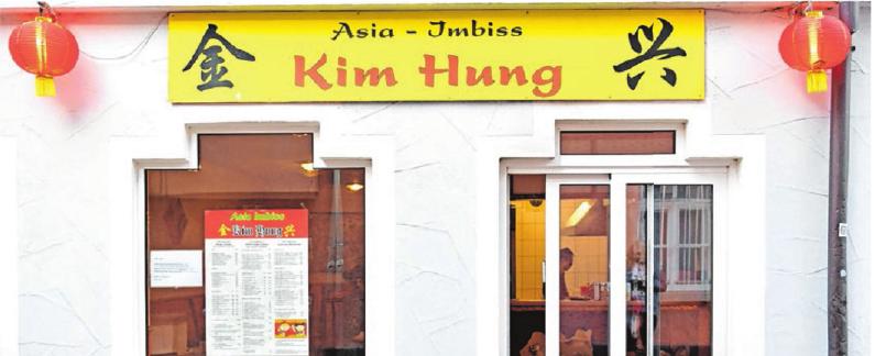 """Der Asia Imbiss Kim Hung in der Holzgasse 1 in Ehingen gilt als gute Adresse für asiatische Spezialitäten. Das Lokal hat weiterhin mit """"Essen to Go"""" geöffnet. Ob Gemüse und Reis in Kokossoße, gebratene Nudeln oder knusprigem Hähnchen und vieles mehr – alles kann telefonisch bestellt und zeitnah abgeholt werden. Text/Foto: Emmenlauer"""
