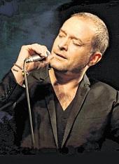 Björn Casapietra singt die schönsten Himmelslieder. FOTO: VERANSTALTER
