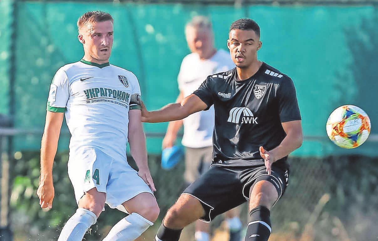 Testspiel gegen Uerdingen: Evhen Banada (links) und der FC Olexandrija.