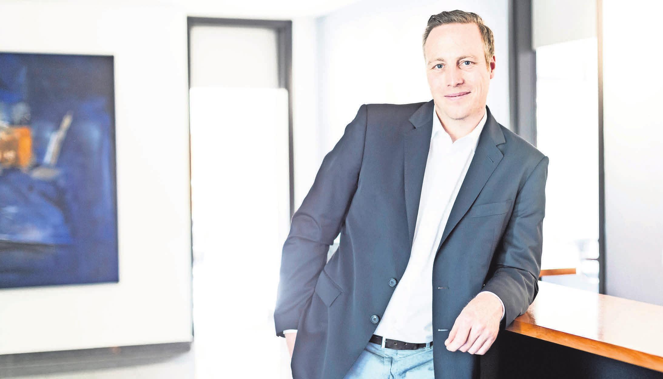 Der Diplom-Kaufmann und Steuerberater Christian Katz gibt Auskunft über diverse Themen in seiner Kanzlei in Isernhagen.