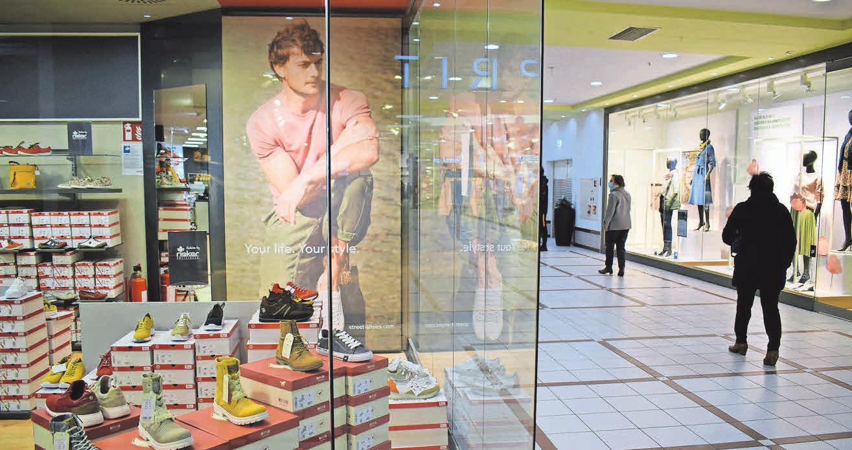 Viele Händler im ShoppingPlaza sind auf die Öffnung vorbereitet. Foto: Grätz