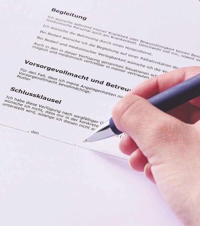 Mit drei Dokumenten kann man sich im Ernstfall rechtlich absichern dieses Vorhaben sollte nicht auf die lange Bank geschoben werden. Foto: djd/Itzehoer Versicherungen