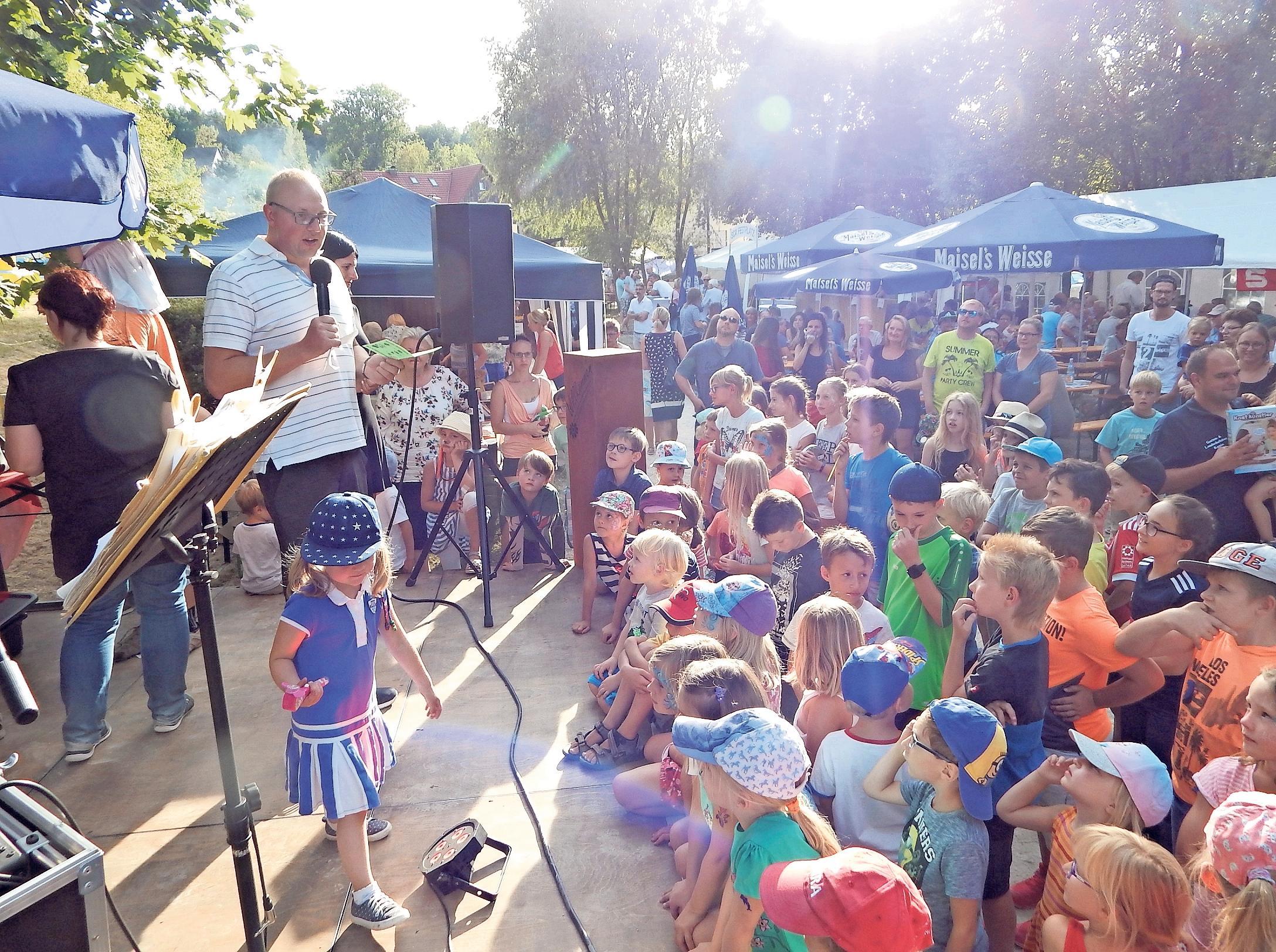 Zehn Ortsvereine sorgen beim Dorfparkfest für Essen und Trinken, Spaß und gute Laune – unter anderem mit einer Kinderrallye am Sonntagnachmittag. Fotos: Horst Wunner