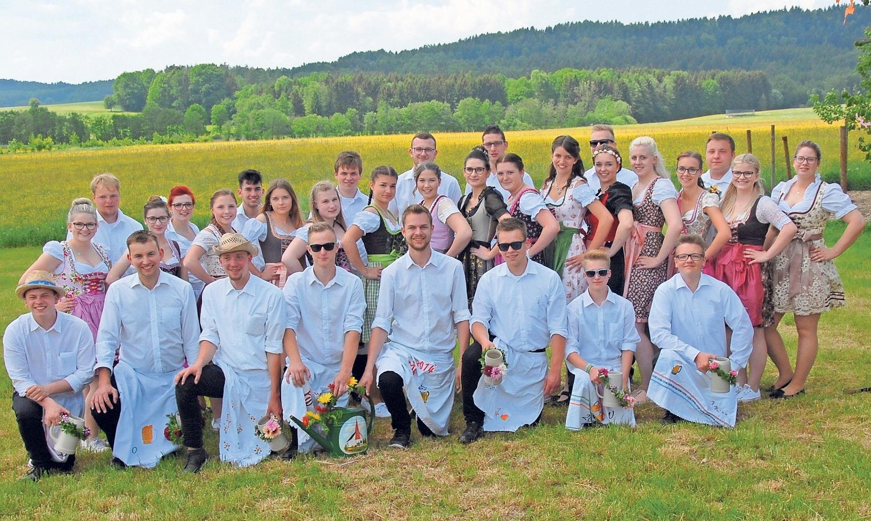 Die Kerwaburschen- und madla vom MBV Körzendorf werden am Sonntag beim Aufspielen wieder das Dorfgeschehen auf den Arm nehmen.