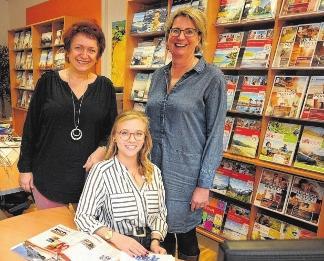 Reiseprofis in Aschersleben: Claudia Lengefeld, Laura Räck und Marita Steinbüchel (v.l.). FOTOS: ANDREAS LÖFFLER